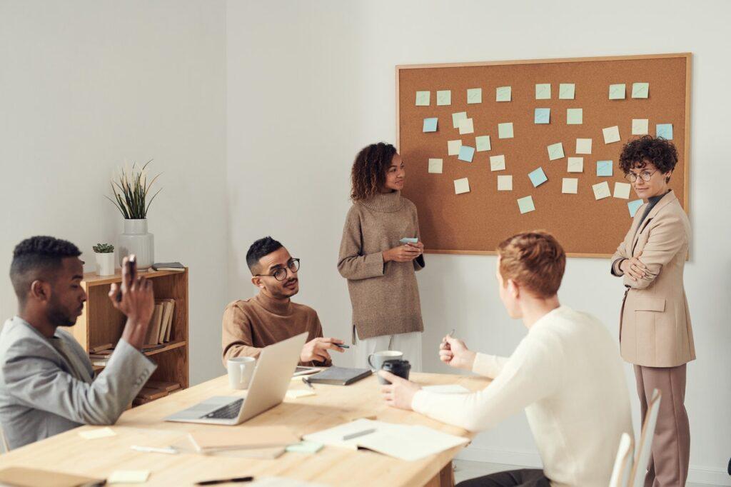 Sådan skaber du overblik i din virksomhed